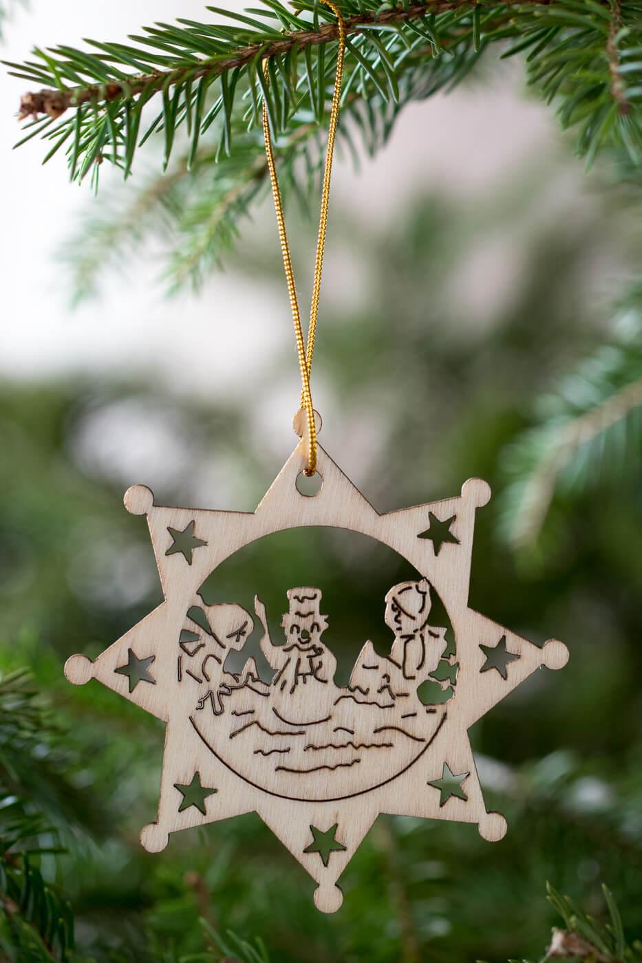 Holzanhänger Stern 8cm Motiv Kinder beim Schneemann bauen 4er Set