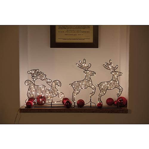 LED Weihnachtsmann mit Schlitten und Rentieren warmweiss 54981