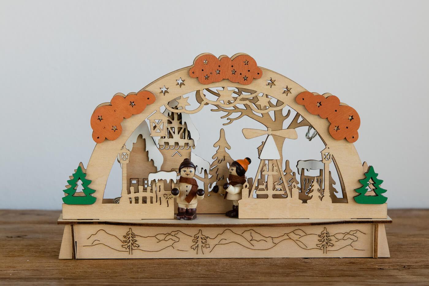 Schwibbogen Leuchter Weihnachtsdorf Pyramide 23*14 cm LED