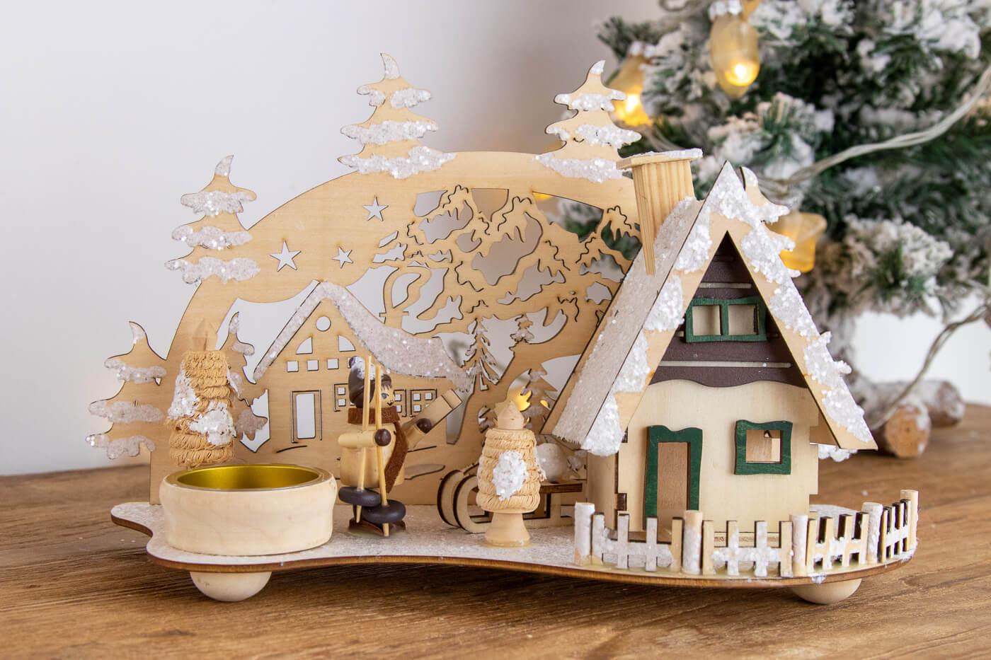 Räucherhaus mit Teelichthalter Winterkind